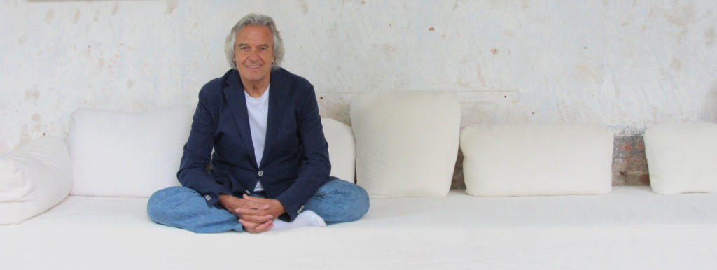 John-McLaughlin-Solo-sitting
